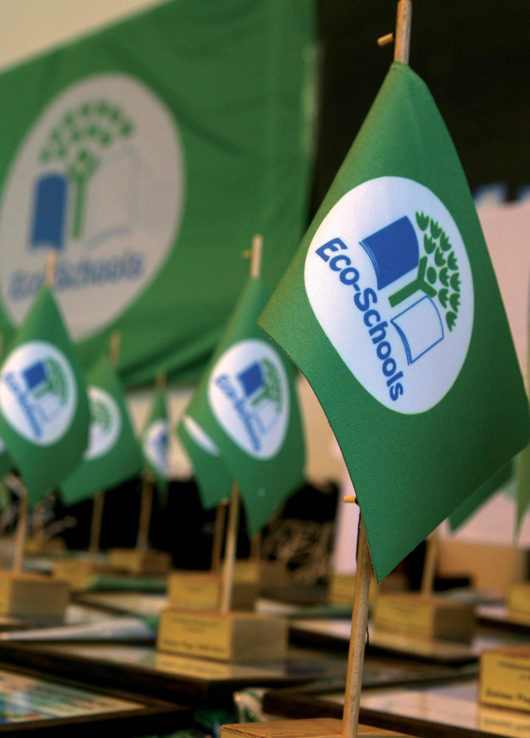tableflag_eco_schools
